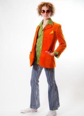 Костюм в стиле Диско 80х с ярким винтажным бархатным оранжевым пиджаком