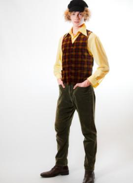 Мужской костюм в стиле 20х-30х годов с бархатной винтажной жилеткой.