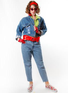Джинсовый костюм в стиле 90-х годов