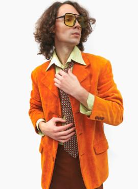 Мужской костюм в стиле 70х — 80х