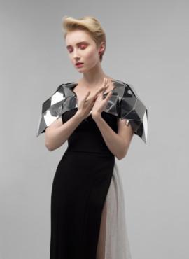 Платье Дизайнерское с накидкой из зеркал