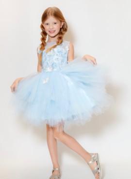 Голубое платье расшитое бабочками с отстегивающимся шлейфом