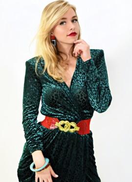 Шикарный наряд в стиле 90-х / Платье с большими плечами