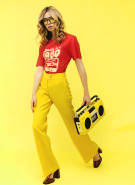 Образ 70х с желтыми брюками клеш